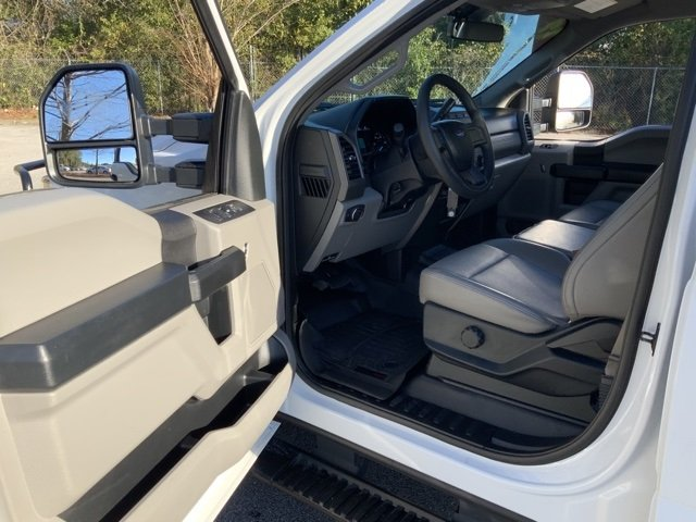 Pre-Owned 2017 Ford Super Duty F-250 SRW XL